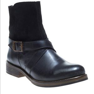Women's Wolverine Pearl Black Leather Ankle Boots